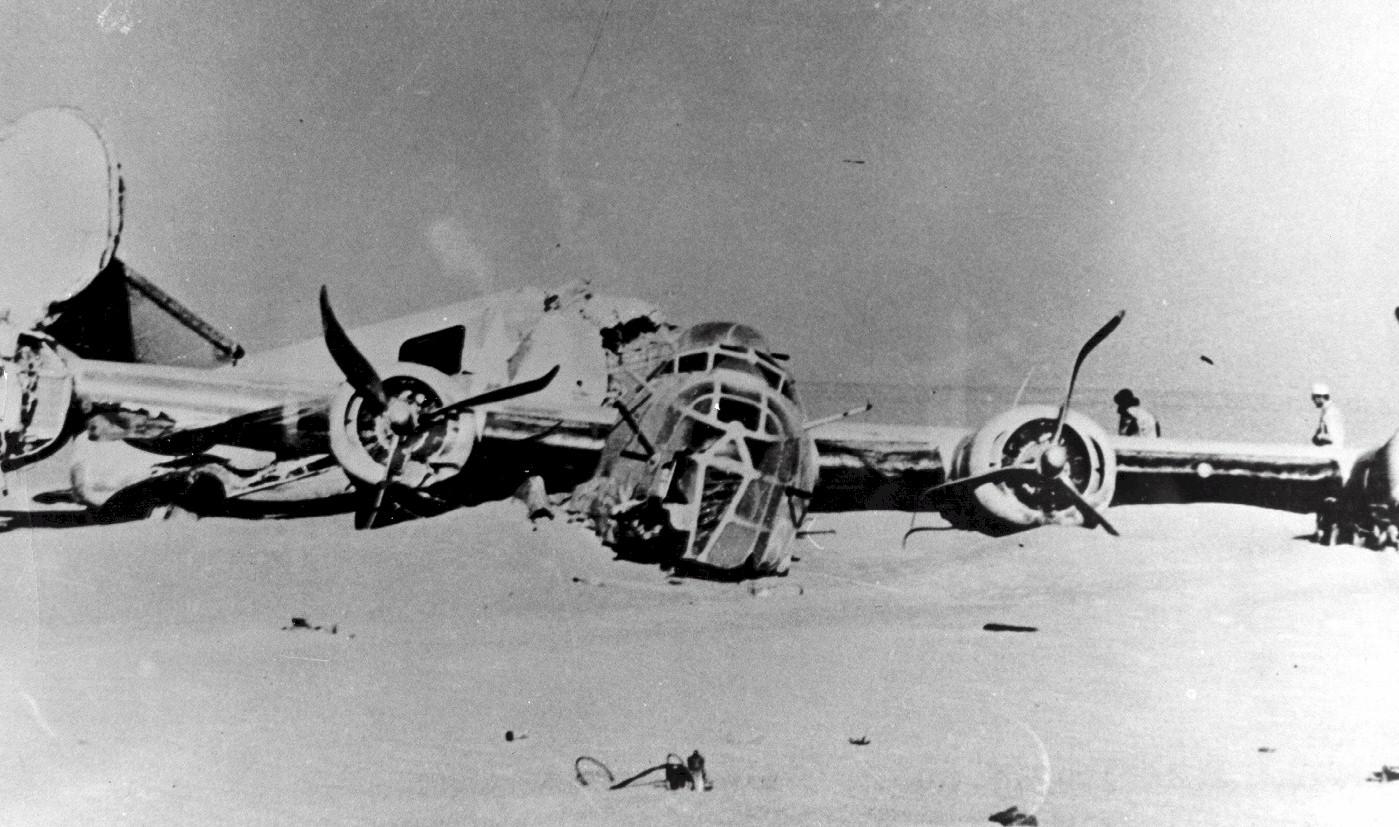 crashed plane photo