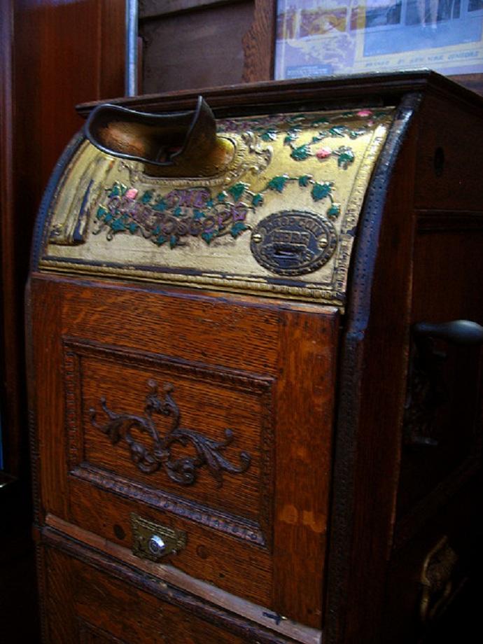 """Gilded Kinetoscope"" Image courtesy of kara brugman via Flickr"