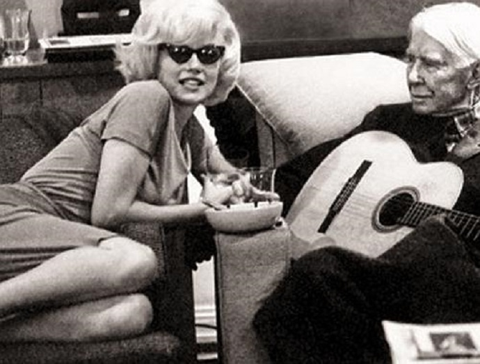 picture of marilyn monroe with carl sandburg